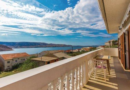 Apartment in Metajna, Croatia