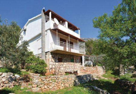 Studio Apartment in Ivan Dolac, Croatia