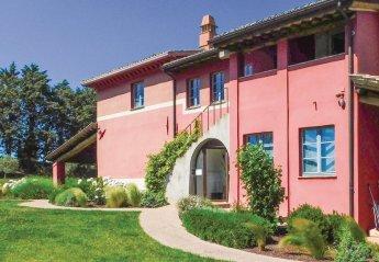 8 bedroom Villa for rent in Marsciano