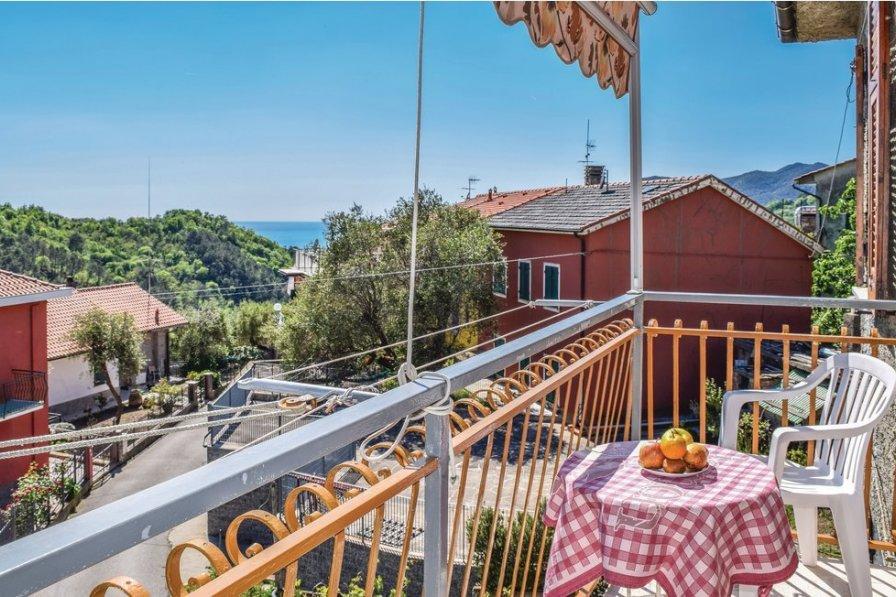 Apartment in Italy, Comeglio