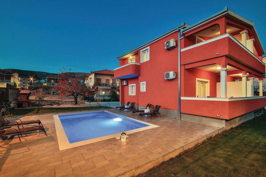 Villa To Rent In Trogir Croatia With Swimming Pool 210958