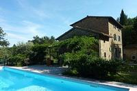 Country_house in Italy, San Quirico: the house and pool