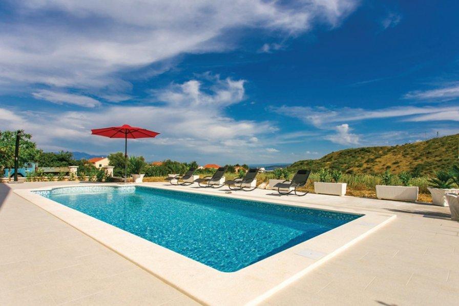 Villa in Croatia, Plano