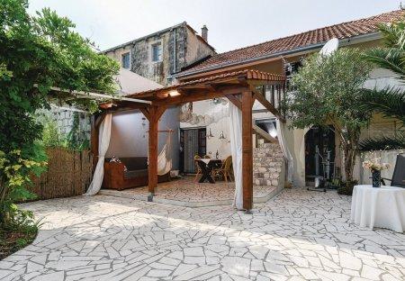 Apartment in Popova Luka, Croatia