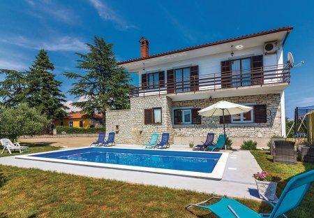 Villa in Koromani, Croatia