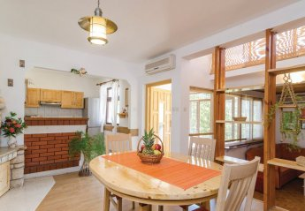 3 bedroom Apartment for rent in Vela Luka