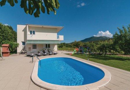 Villa in Gata, Croatia