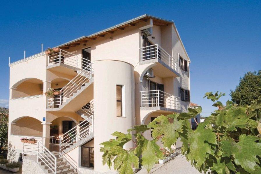 Apartment in Croatia, Drage