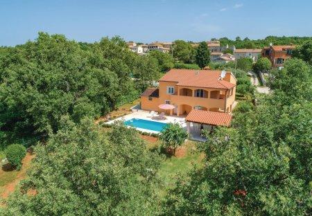 Villa in Heraki, Croatia