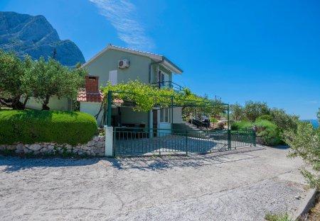 Villa in Bast, Croatia