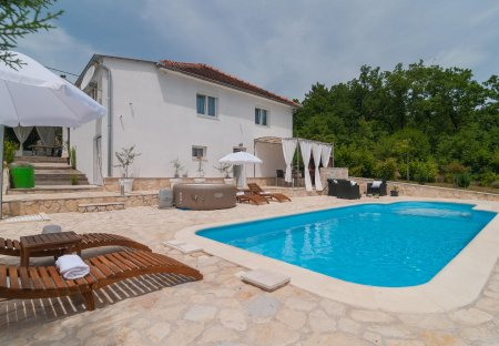 Villa in Satrić, Croatia