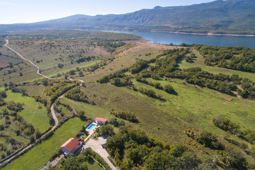 Villa in Croatia, Dabar