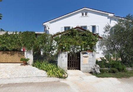 Villa in Paradiž, Croatia