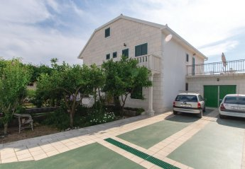 3 bedroom Apartment for rent in Orebic