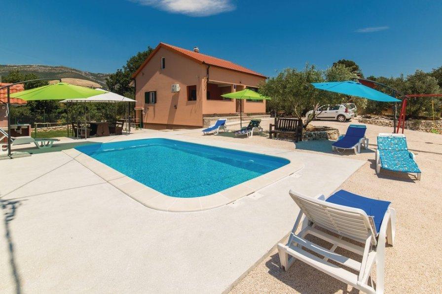 Owners abroad Kaštel Novi villa to rent
