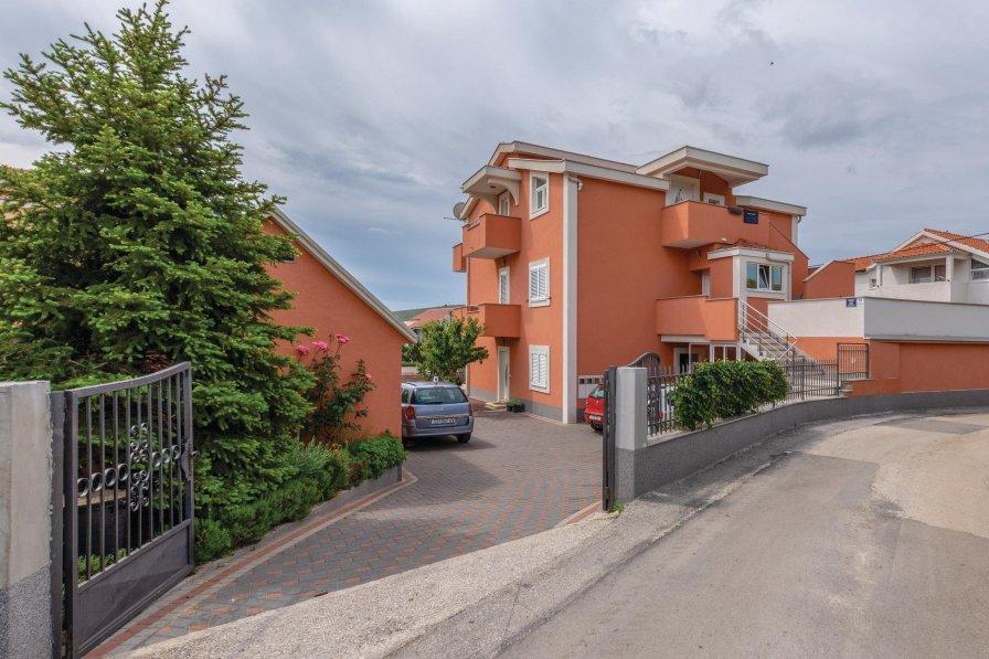 Apartment in Croatia, Plano