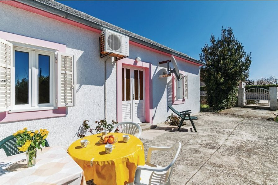 Villa in Croatia, Vrsi