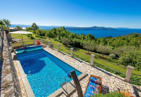 Villa in Kalac, Croatia