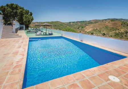 Villa in El Borge, Spain