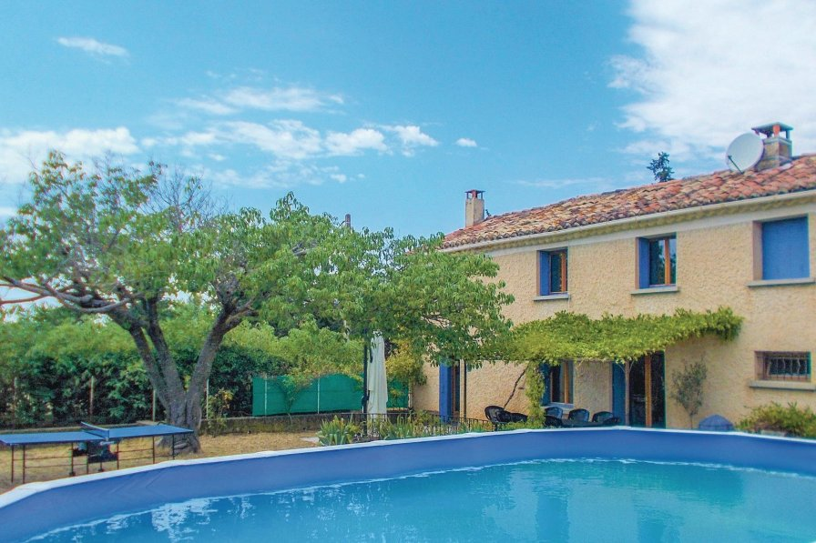 Villa to rent in Vaucluse