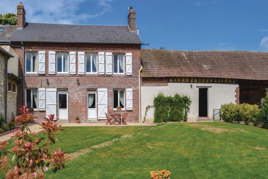 Villa in France, Trie-Château