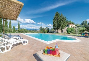4 bedroom Villa for rent in Todi