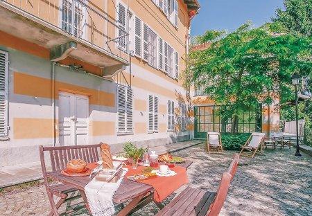 Apartment in Migliandolo, Italy