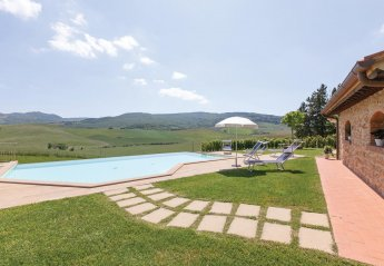 6 bedroom Villa for rent in Lajatico
