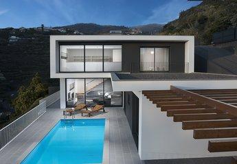 Villa in Portugal, Lombo do Doutor