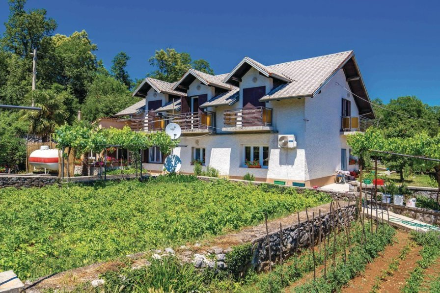 Apartment in Croatia, Marinići