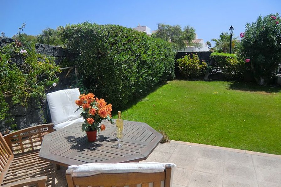 Villa in Spain, Golf del Sur: Relax in the sun in your own private garden