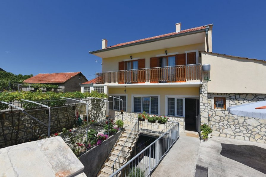 Apartment in Croatia, Sonković