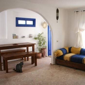 Apartment in Morocco, Essaouira: Living room (with door to private terrace)