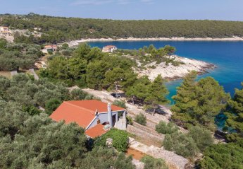 2 bedroom Villa for rent in Vela Luka