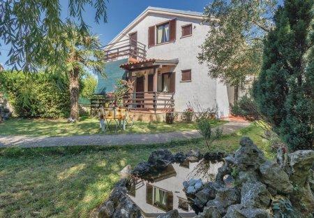 Villa in Mutvoran, Croatia