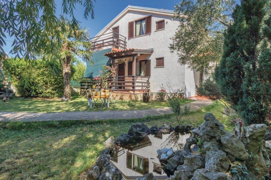 Villa in Croatia, Mutvoran
