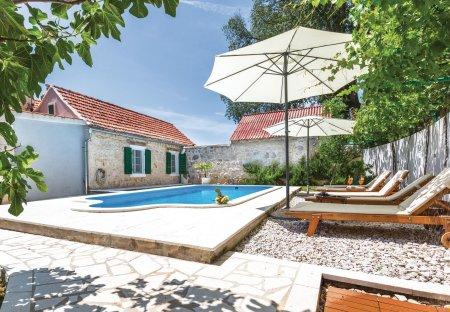 Villa in Žeževica, Croatia