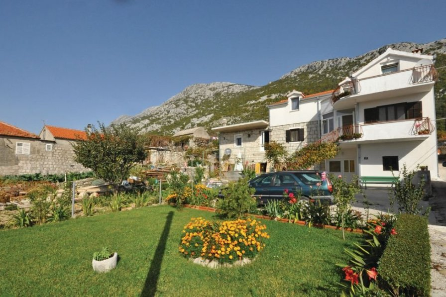 Apartment in Croatia, Čisla