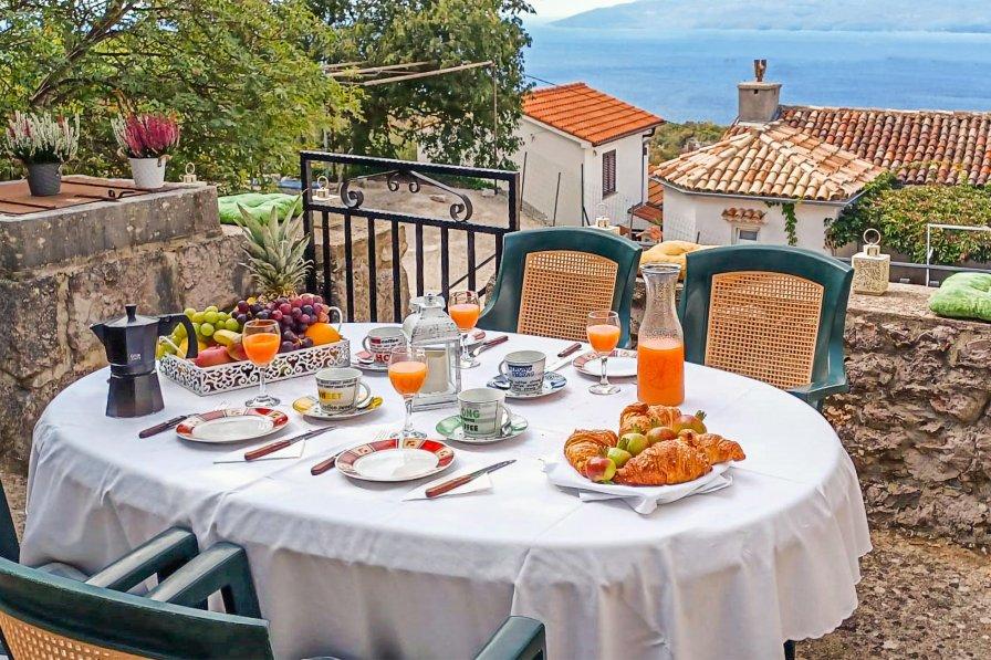 Villa in Croatia, Dragozetići