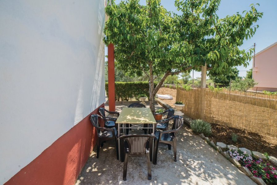 Apartment in Croatia, Vrsi
