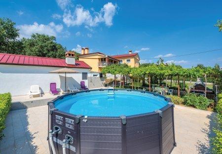 Apartment in Montovani, Croatia