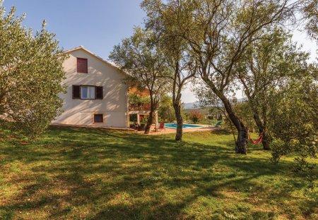 Villa in Vojnić Sinjski, Croatia