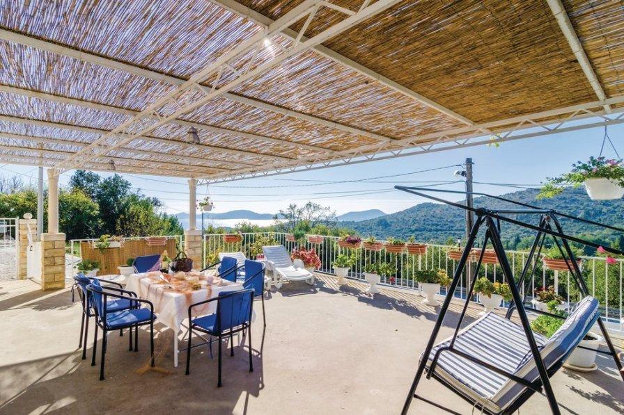 Villa in Croatia, Doli