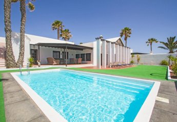 4 bedroom Villa for rent in Costa Teguise