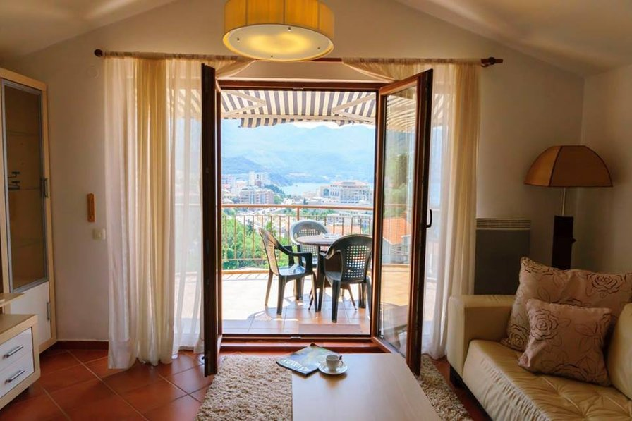 Luxury penthouse with panoramic sea-view and pool in Becici (N4)
