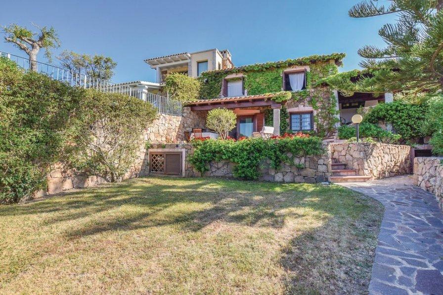 Villa in Italy, Lu Impostu