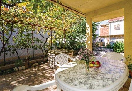 Apartment in Gornji Karin, Croatia