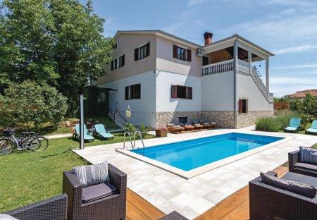 Villa in Jakačići, Croatia