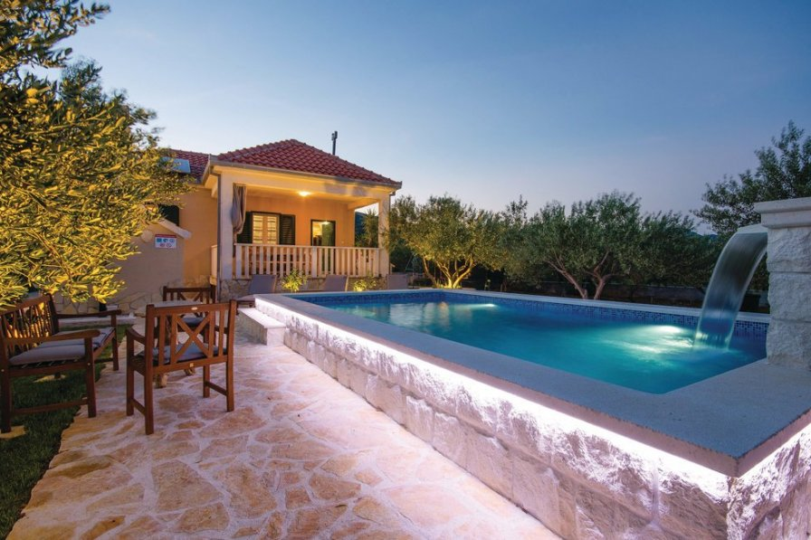 Villa in Croatia, Plano