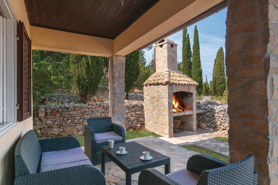 Villa in Croatia, Brusje